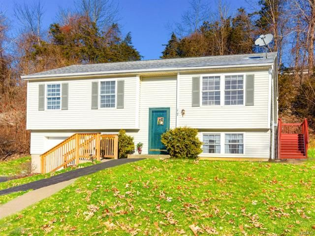 3 BR,  2.00 BTH Raised ranch style home in Wingdale