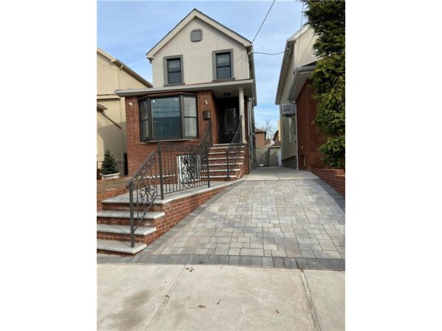 3 BR,  2.56 BTH  Single family style home in Dyker Heights