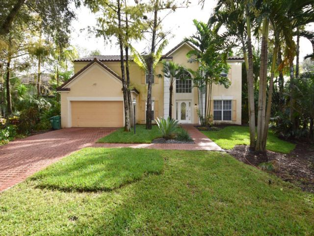 4 BR,  2.00 BTH  style home in Coral Springs