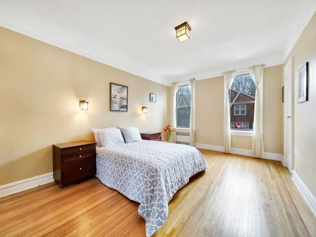 3 BR,  3.00 BTH  Co-op style home in Bay Ridge