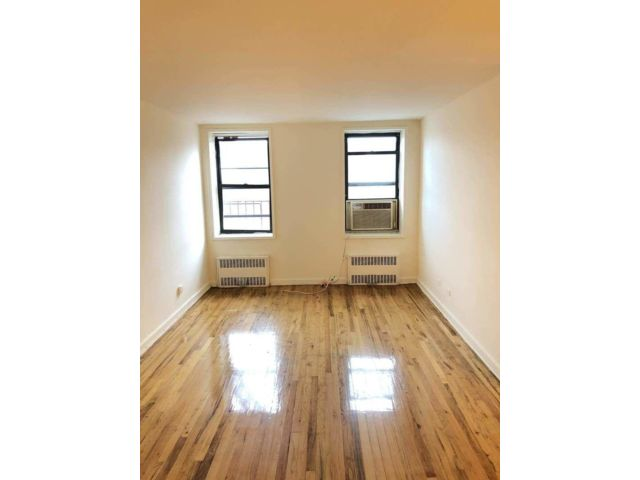 2 BR,  1.50 BTH  style home in Briarwood