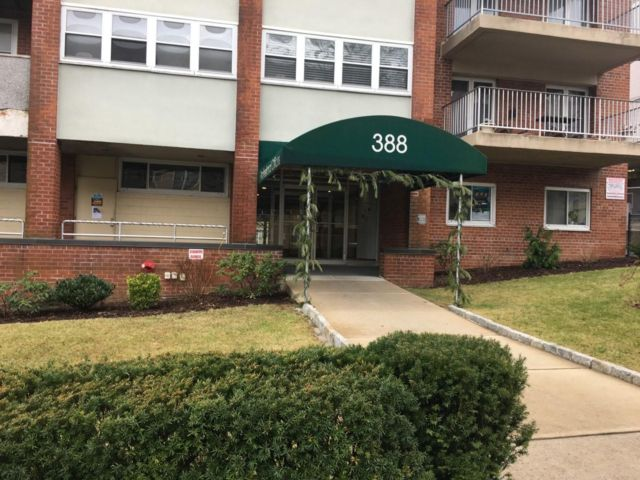 Studio,  0.00 BTH Office space style home in Port Chester