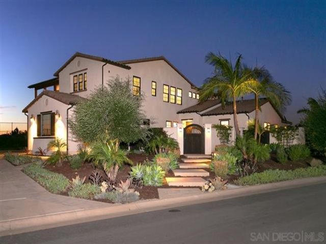 6 BR,  4.50 BTH   style home in San Diego