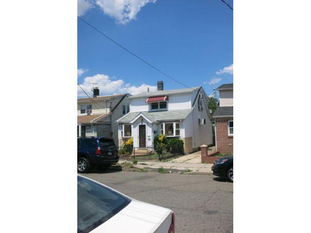 2 BR,  2.00 BTH Duplex style home in Brooklyn