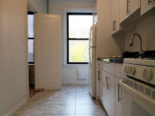 2 BR,  1.00 BTH  style home in Woodhaven