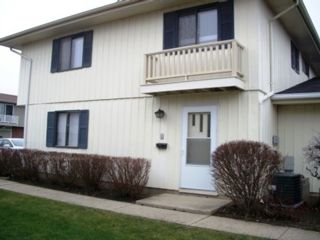 2 BR,  1.00 BTH House style home in Schaumburg
