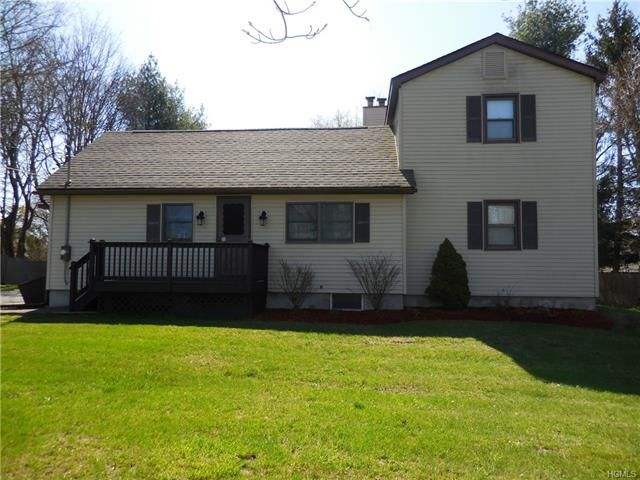 4 BR,  2.50 BTH  Two story style home in New Paltz