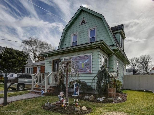 2 BR,  2.00 BTH Single family style home in Grant City