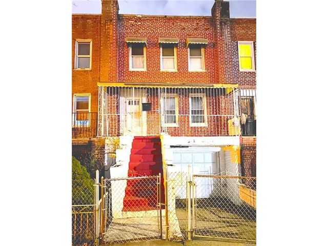 3 BR,  2.00 BTH Other style home in Soundview