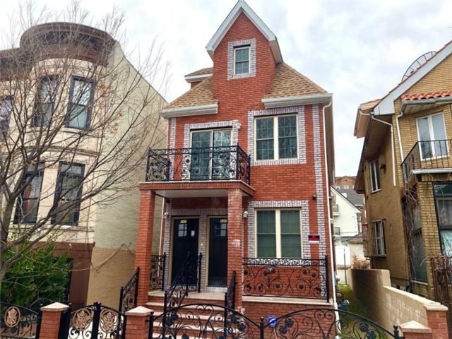 6 BR,  6.00 BTH  Multi-family style home in Bay Ridge