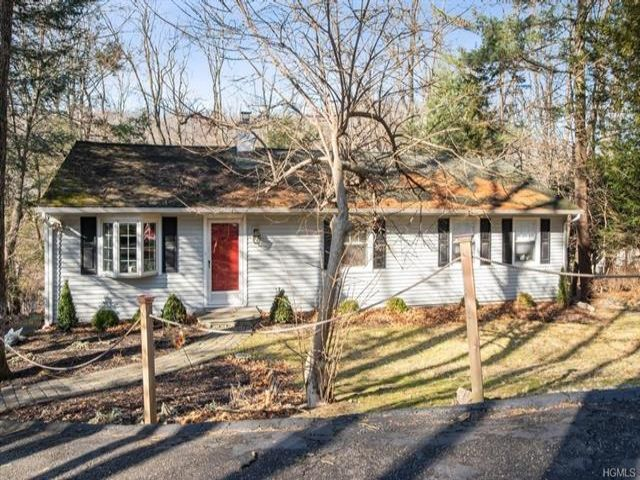 3 BR,  2.50 BTH Ranch style home in Chappaqua