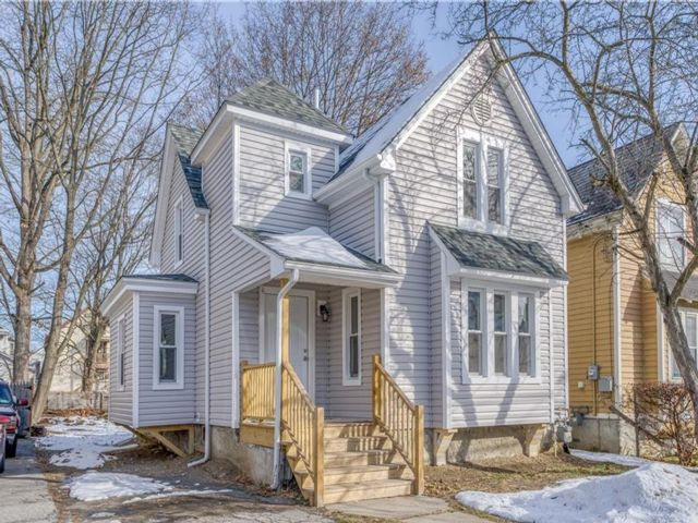 4 BR,  1.00 BTH Victorian style home in Poughkeepsie