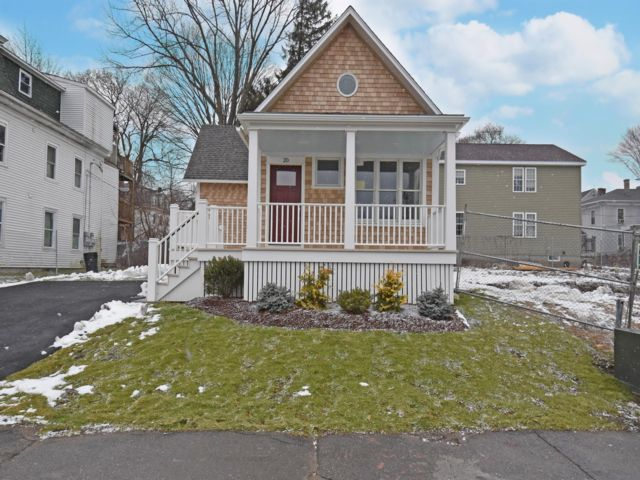2 BR,  1.00 BTH Bungalow style home in Worcester