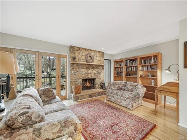 3 BR,  2.50 BTH Town house style home in Highland Mills