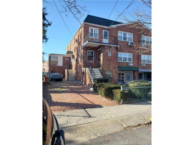 Studio,  0.00 BTH  Multi-family style home in Canarsie