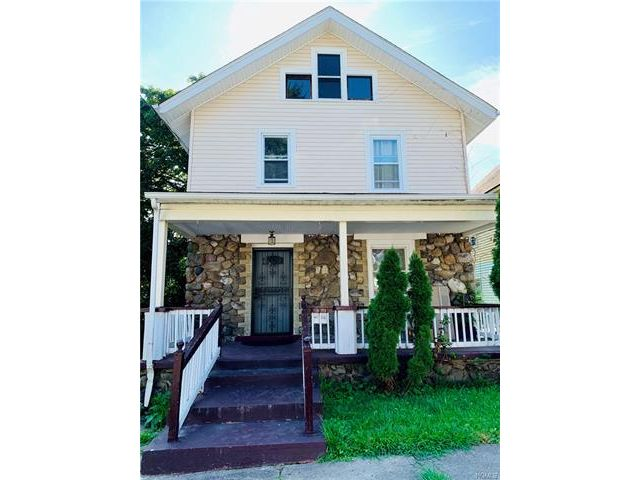 4 BR,  2.00 BTH  Two story style home in Middletown