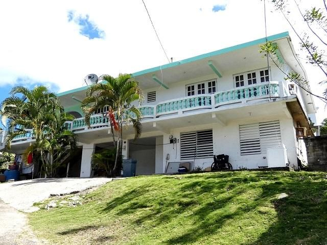 4 BR,  3.50 BTH   style home in Vieques