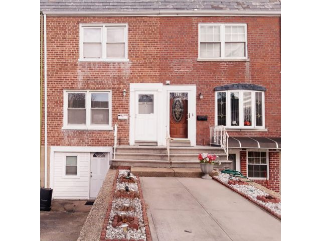 2 BR,  1.50 BTH Colonial style home in Floral Park