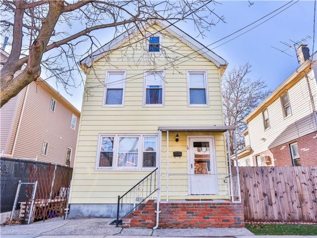 2 BR,  2.00 BTH  Single family style home in Port Richmond