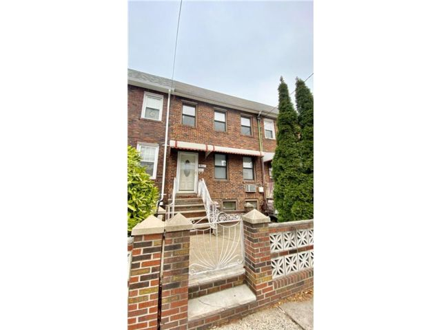 3 BR,  3.00 BTH  Multi-family style home in Dyker Heights