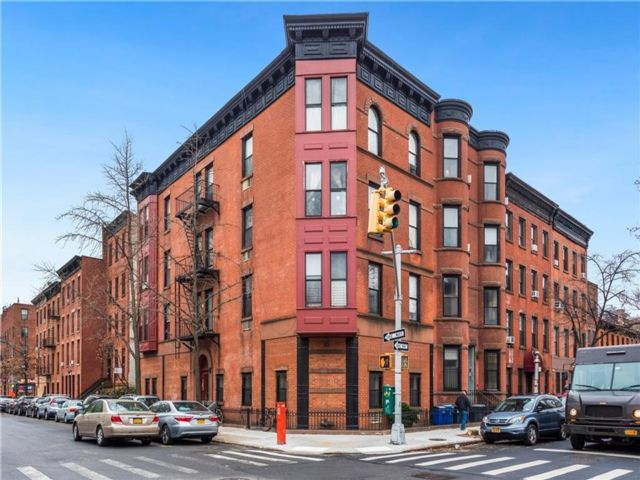 15 BR, 15.00 BTH  Multi-family style home in Boerum Hill