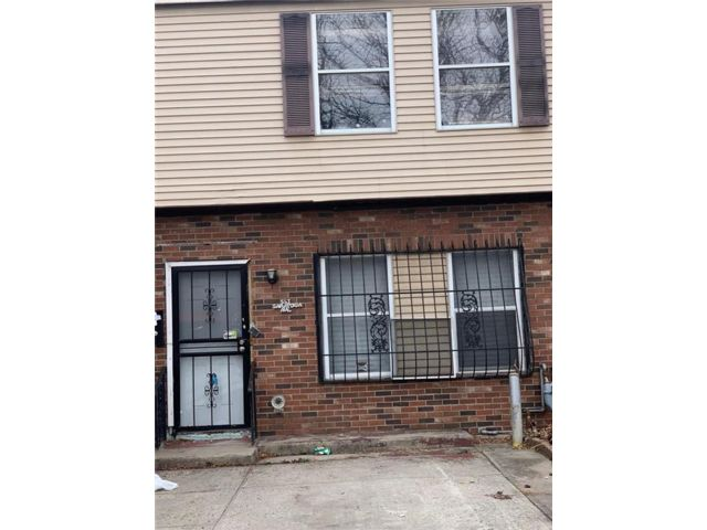4 BR,  2.00 BTH Single family style home in Brownsville