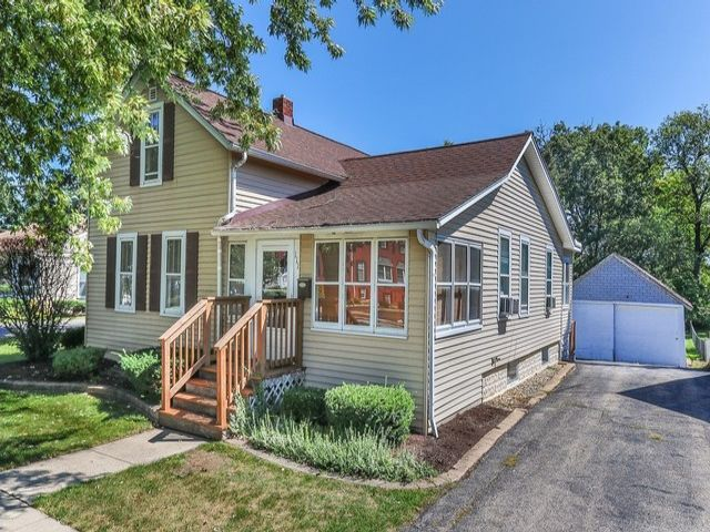 3 BR,  1.00 BTH House style home in Bartlett