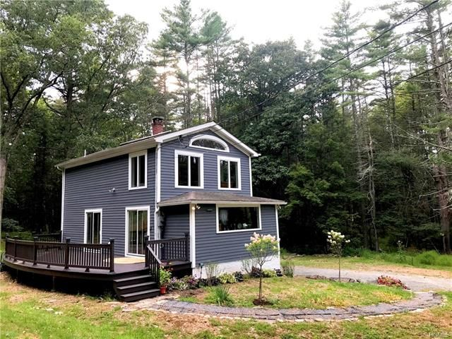 2 BR,  2.00 BTH Farm house style home in Eldred