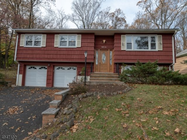 4 BR,  2.00 BTH Bi-level style home in North Caldwell
