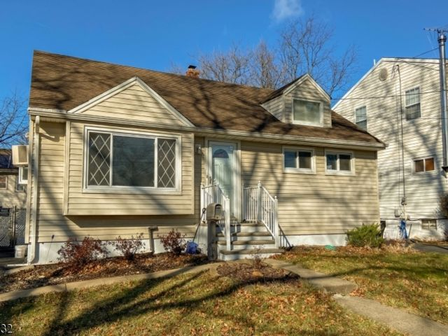 3 BR,  1.00 BTH  Cape cod style home in Plainfield