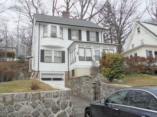 3 BR,  1.50 BTH Colonial style home in West Orange