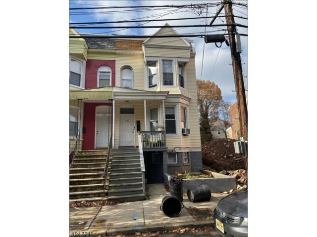 4 BR,  3.00 BTH Multi-family style home in Newark