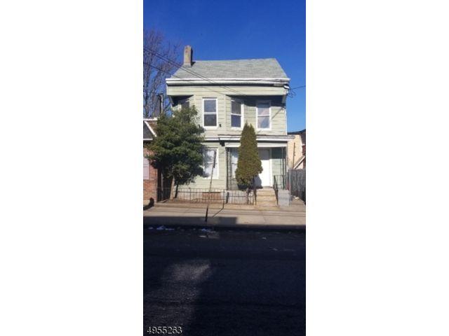 5 BR,  3.00 BTH Multi-family style home in Paterson
