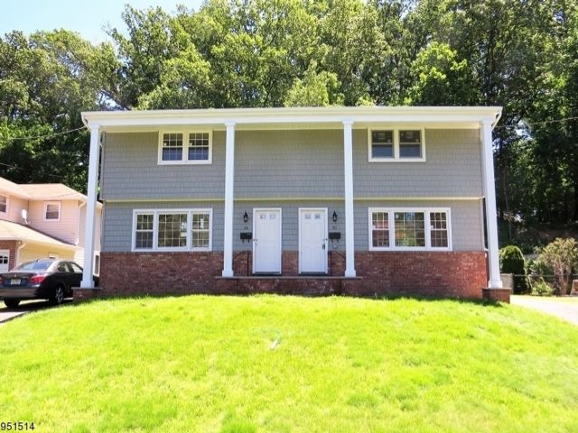2 BR,  1.50 BTH House style home in North Caldwell