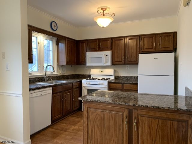 2 BR,  1.00 BTH House style home in North Caldwell