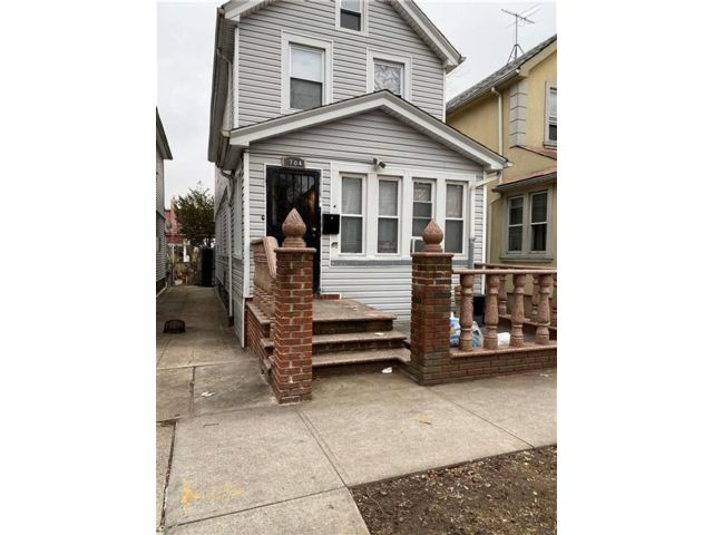4 BR,  1.00 BTH Single family style home in East Flatbush