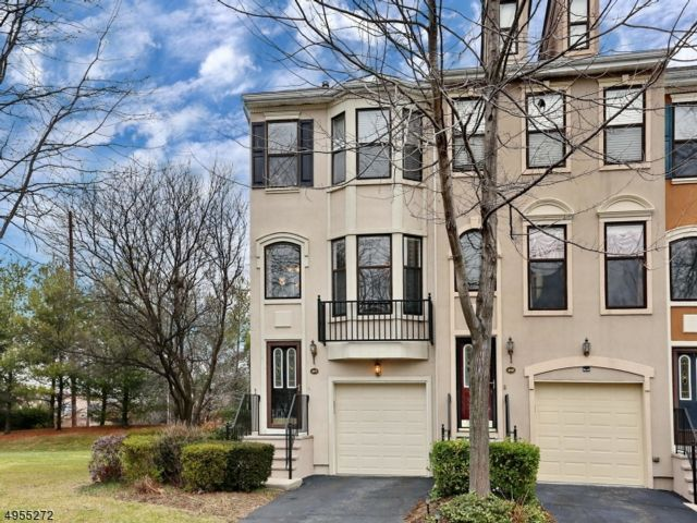 2 BR,  3.50 BTH House style home in Nutley