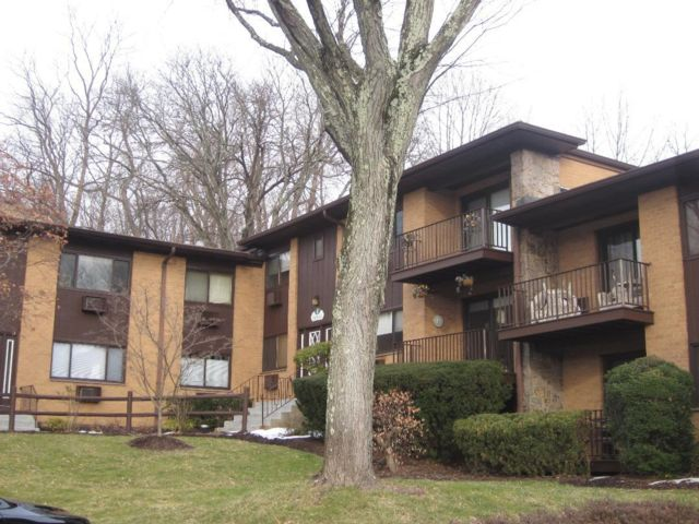 2 BR,  1.50 BTH Townhouse style home in Piermont