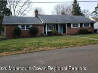 3 BR,  3.00 BTH Ranch style home in Brick