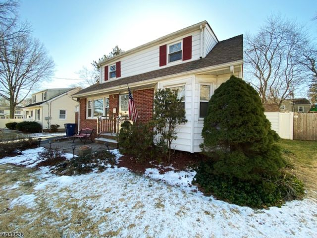 3 BR,  2.00 BTH  Cape cod style home in Fanwood