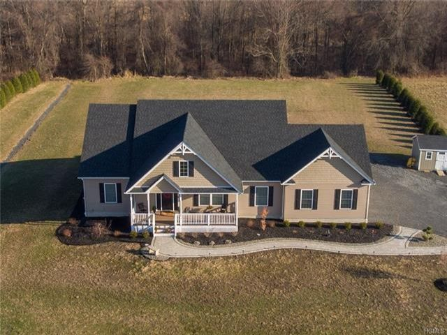 3 BR,  2.50 BTH Ranch style home in Pine Bush