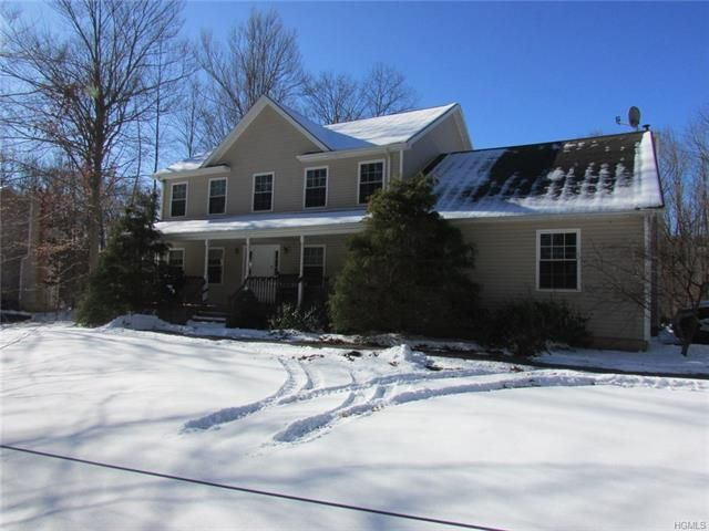 3 BR,  2.50 BTH  Colonial style home in Newburgh