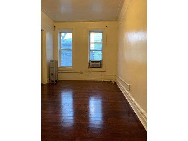 2 BR,  1.00 BTH  Apartment style home in Bay Ridge
