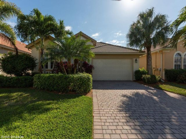 3 BR,  3.00 BTH  style home in Fort Myers