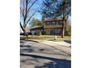 3 BR,  1.50 BTH Colonial style home in Toms River