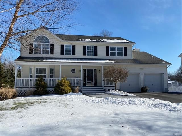 4 BR,  3.50 BTH  Colonial style home in New Windsor