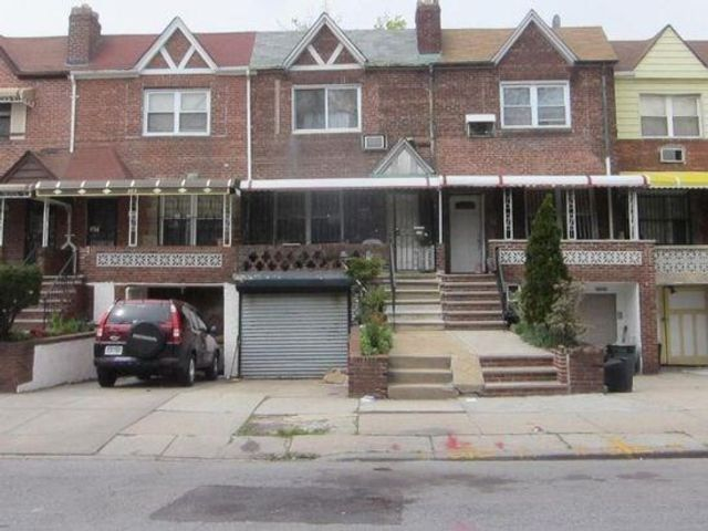 4 BR,  2.00 BTH  Multi-family style home in East Flatbush