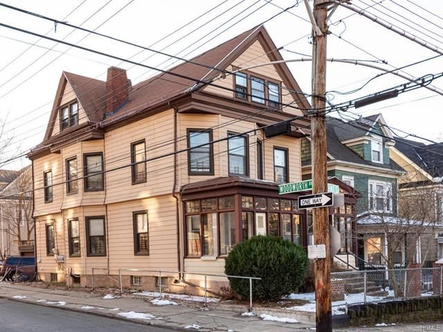 4 BR,  3.00 BTH Other style home in Yonkers