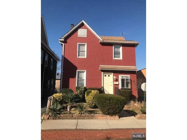 2 BR,  1.50 BTH House style home in East Rutherford