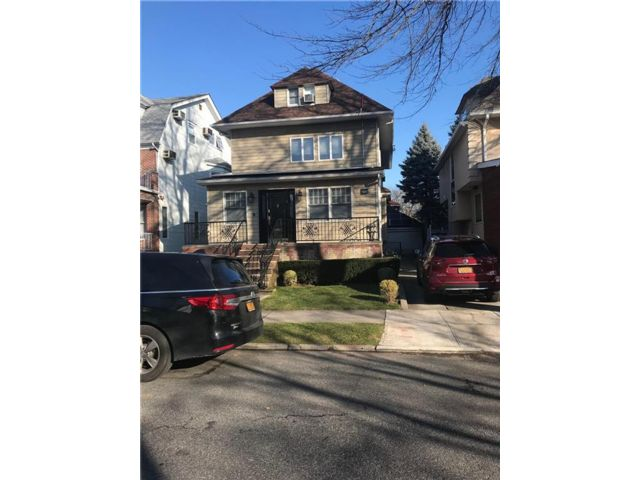 6 BR,  6.00 BTH  Single family style home in Midwood